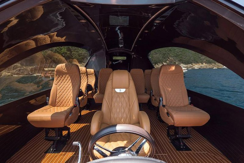 Italian company Jet Capsule debuts Royal Version 001