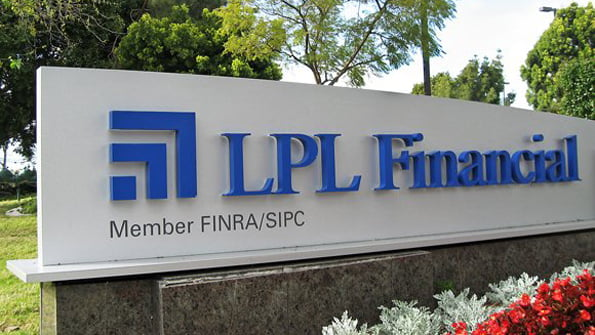 LPL Pulls In $400 Million in Assets With New Recruits