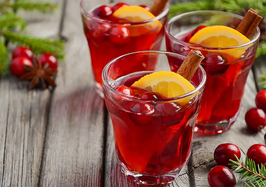 7 Best Christmas Cocktail Recipes