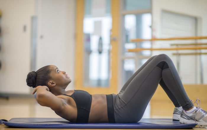 You Honestly Never Have to Do Crunches Again, According to Science and Experts