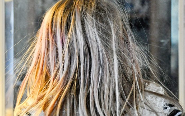 How to Get Rid of Static Hair With 12 Quick Fixes