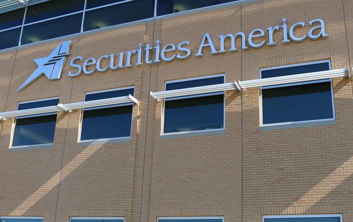 LPL Loses Oregon-Based Credit Union Team to Securities America
