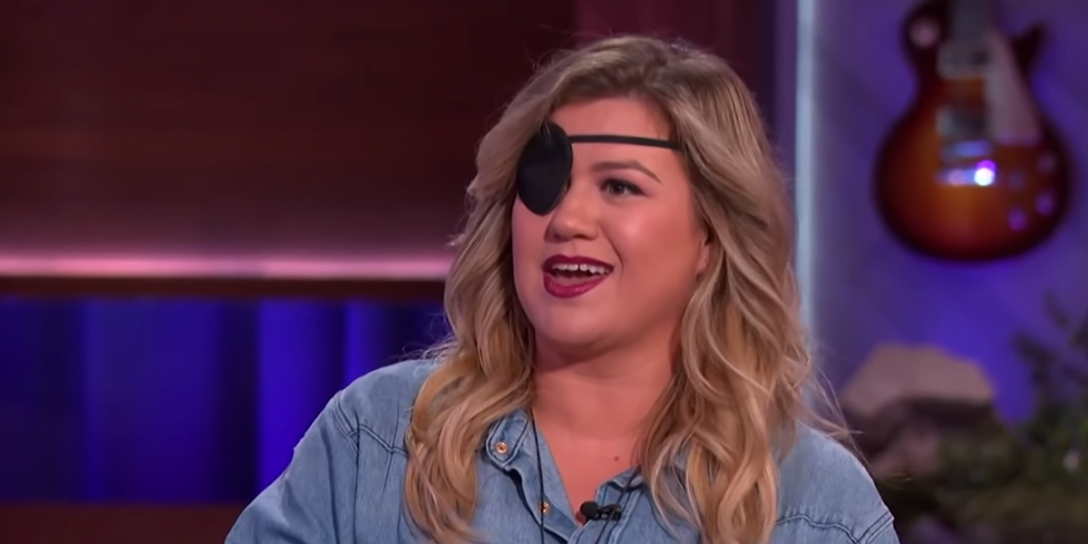 Kelly Clarkson Is Wearing a 'Pirate' Eye Patch on Her Show for the Most Painful Reason